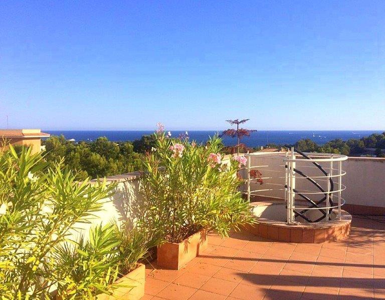 Obergeschosswohnung am Stadtrand von Palma mit Meerblick