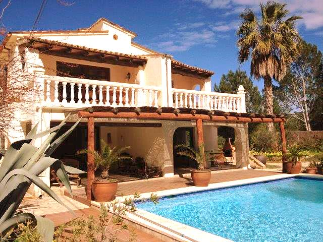 Immobilie auf Mallorca Wohnung in Andratx Poolansicht